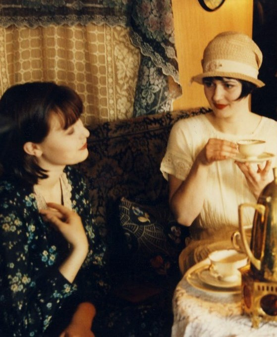 1920'er mode, mode i 20'erne, klokkehat, pagehår, Charleston